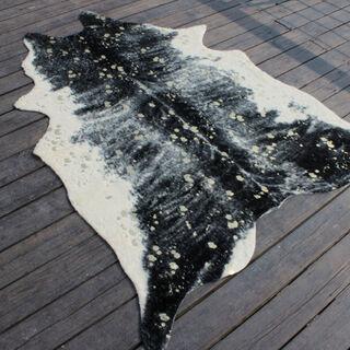 سجادة من جلد صناعي تصميم جلد البقر لون اسود  150*200 سم من كوتاج
