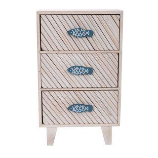 خزانة خشبية