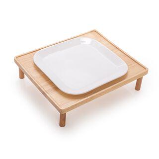 طبق تقديم بقاعدة خشبية من لاميسا