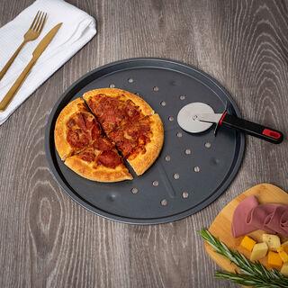 صينية بيتزا من بيتي كروكر باللون الرمادي