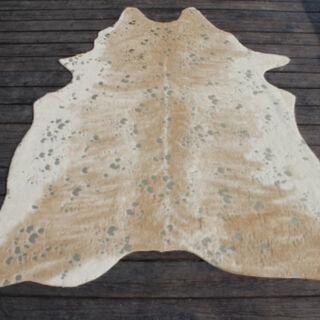 سجادة من جلد صناعي تصميم جلد البقر لون بيج  150*200 سم من كوتاج